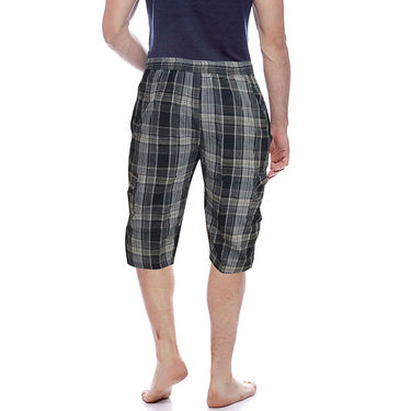 Delhi Seven Cotton Checks Capri For Men_D7Cg016 - Multicolor