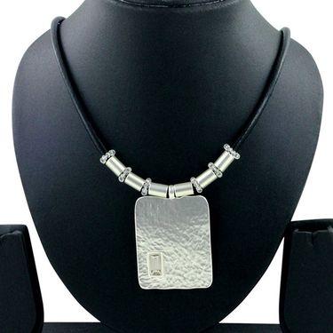 Spargz Alloy Metal Necklace_Mala047