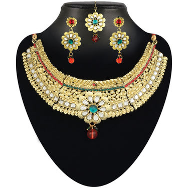 3 Grand Necklace Collection