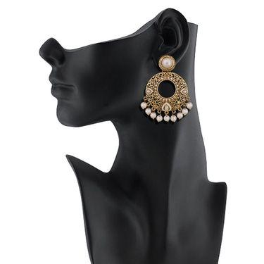 Vendee Fashion Austrian Daimond Earrings - White & Golden _ 8536