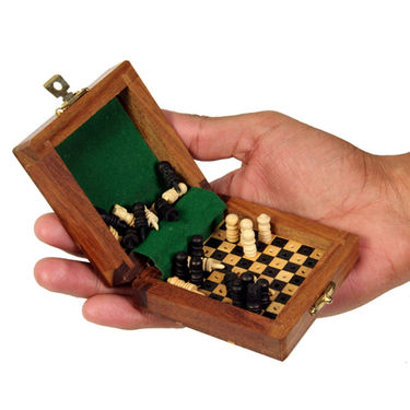 AVM 8cm Travelling Chess Board (1.27cm Border, Black Yellow)