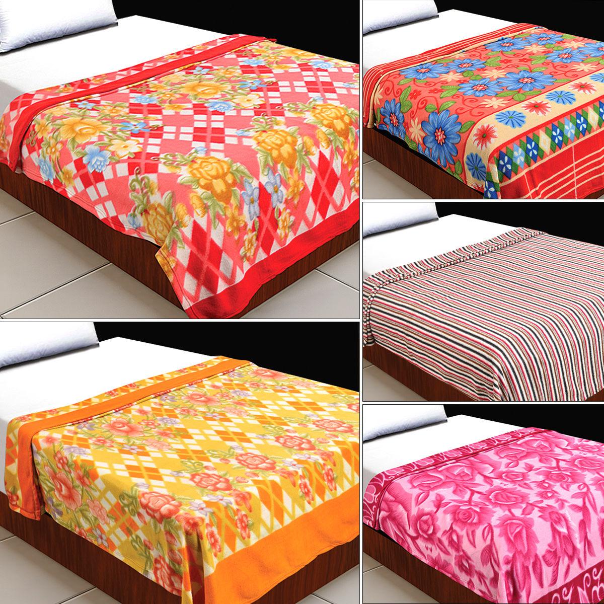 buy set of 5 printed fleece blankets online at best price in india