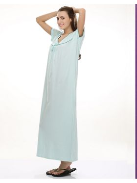 Clovia Cotton Blend Solid Nightsuit -NS0398P03
